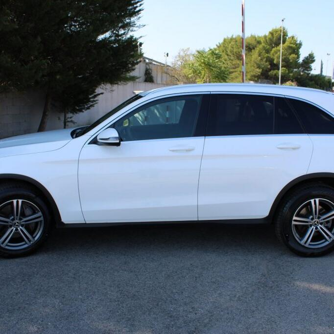 MERCEDES-BENZ GLC 220 2