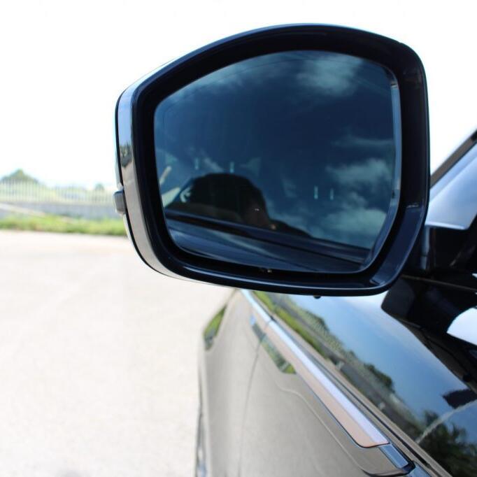 LAND ROVER Range Rover Velar 10